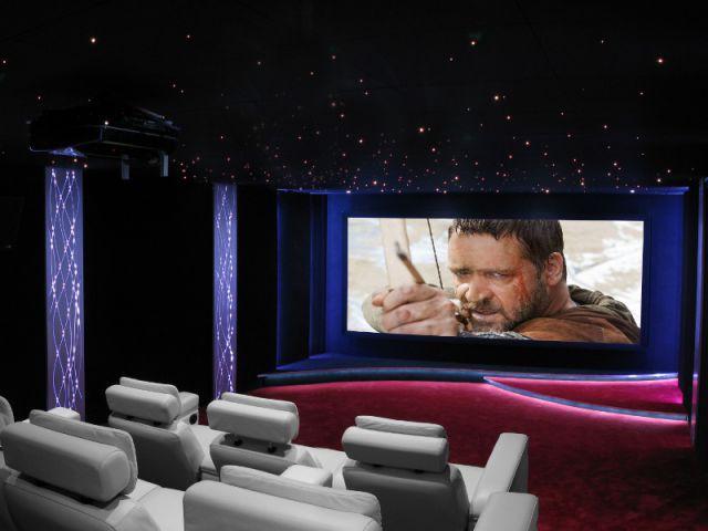 Une salle de cinéma très technique qui met en éveil les cinq sens - Salle de cinéma privée