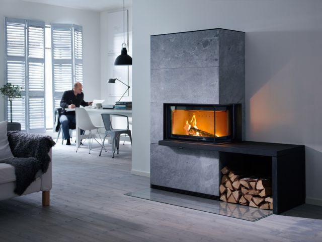 Un casier de rangement intégré au poêle - Solutions esthétiques pour ranger son bois de chauffage