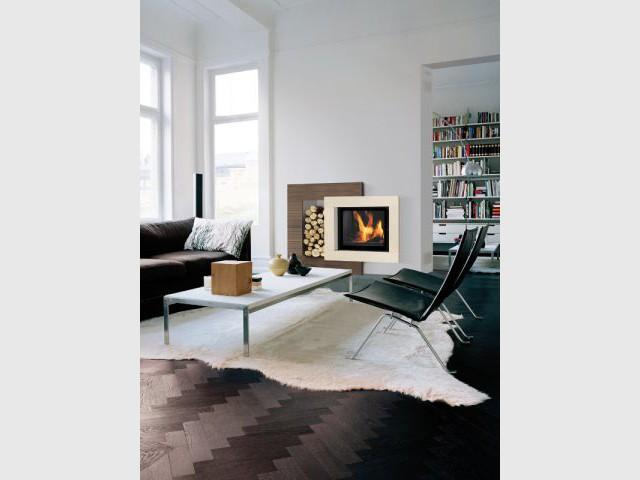 Un cadre design de stockage comme un tableau  - Solutions esthétiques pour ranger son bois de chauffage