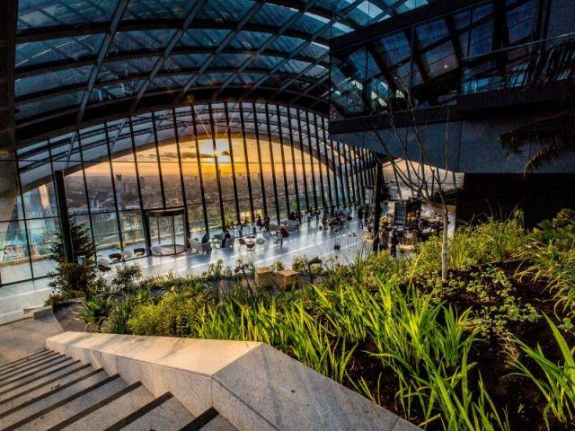 """Trois terrasses et une forêt ombragée - Inauguration du """"Sky Garden"""" à Londres"""