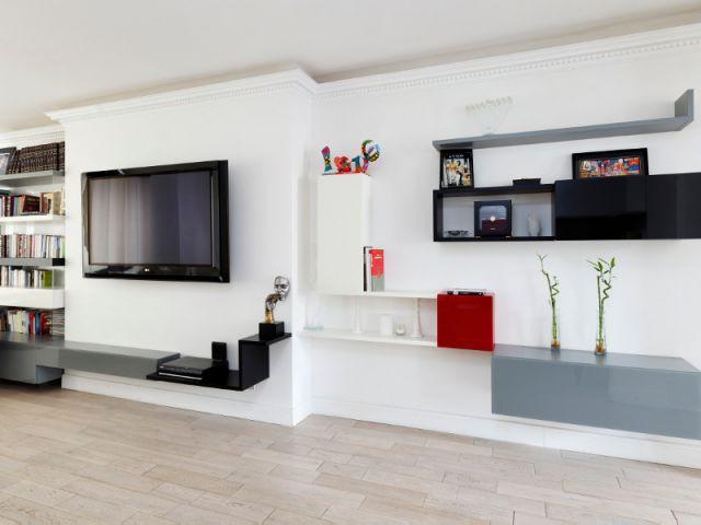 Une harmonie renforcée par des alignements et des profondeurs adaptées  - Un appartement fonctionnel et rafraichissant aux touches de couleurs pop