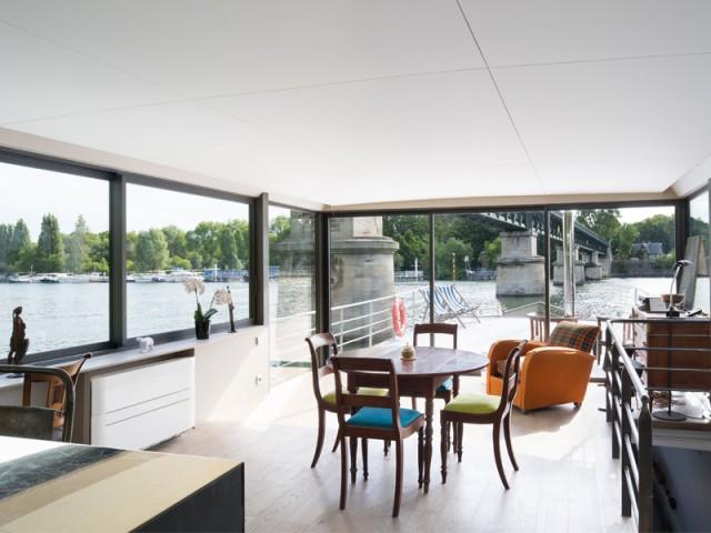 Relation privilégiée avec l'extérieur - Une péniche avec vue panoramique sur la Seine