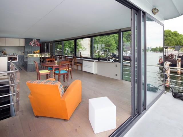 33 m2 de façade vitrée - Une péniche avec vue panoramique sur la Seine
