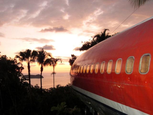 Un hôtel avec vue imprenable sur l'océan - Hôtel 727 Fuselage