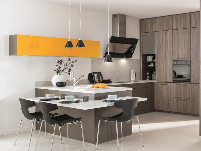 Une hotte murale miroir pour  une cuisine contemporaine - Ces hottes de cuisine qui se fondent dans le décor