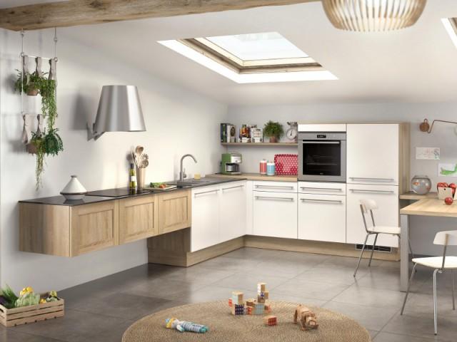 Une hotte suspendue comme une applique pour une cuisine fraîche et aérée  - Ces hottes de cuisine qui se fondent dans le décor