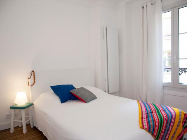 Une chambre moderne et lumineuse - Budget serré pour une rénovation complète