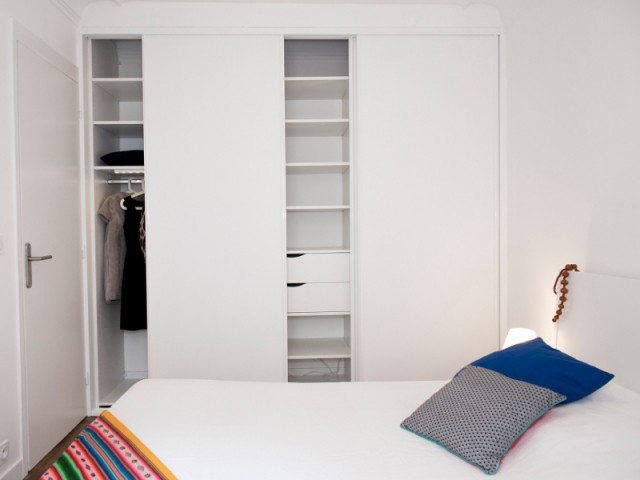 Un dressing sur-mesure pour une chambre pratique - Budget serré pour une rénovation complète