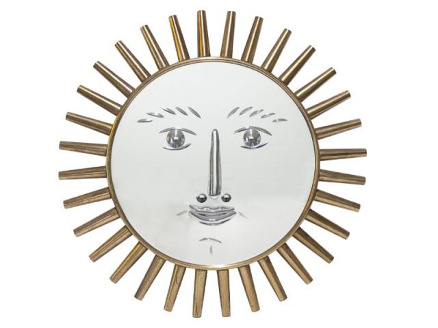 Un miroir biseauté pour créer un visage - Exposition Fornasetti aux Arts Déco