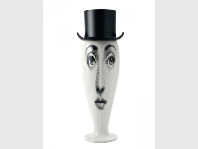 Un vase comme une tête d'homme déformée - Exposition Fornasetti aux Arts Déco