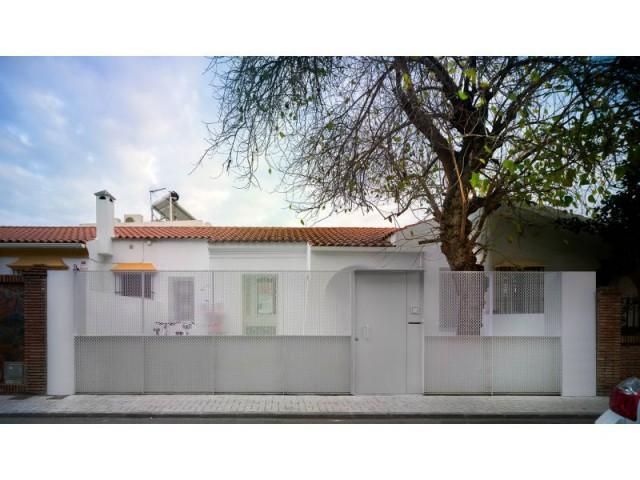 Façade sobre et épurée - Villa Malaga - OAM Arquitectos