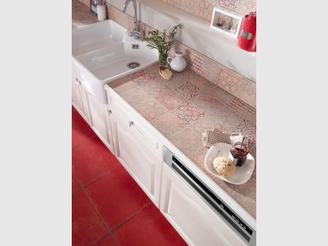 Des carreaux de ciment au niveau du plan de travail de la cuisine - Les carreaux de ciment dans la déco
