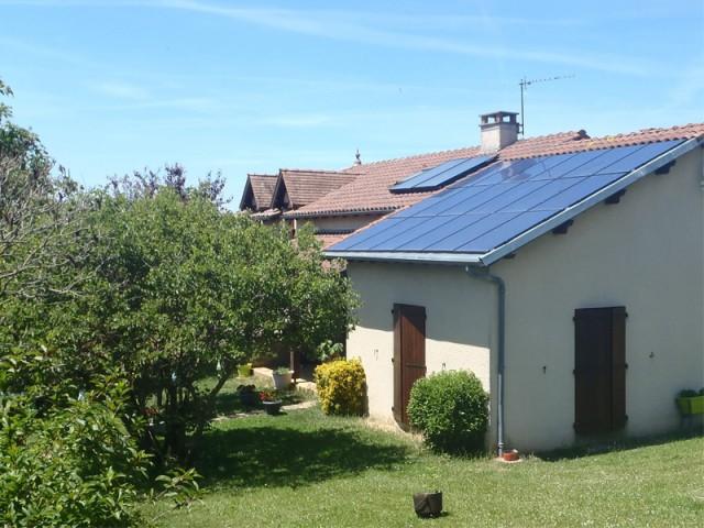 Des modules pour recouvrir le toit d'une extension - Panneaux photovoltaïques