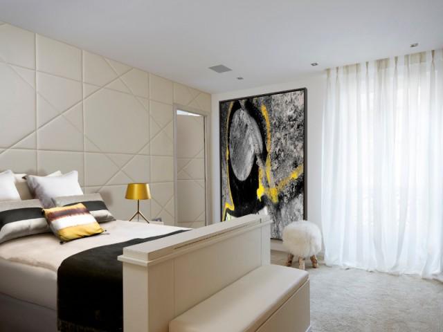 Une chambre élégante qui privilégie le confort - Un appartement graphique revisite les codes classiques parisiens