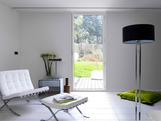 Une fenêtre à ouvrant caché et grande surface vitrée - Plus de lumière naturelle chez soi