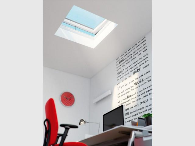Une fenêtre de toit à installer sur une toiture plate - Plus de lumière naturelle chez soi