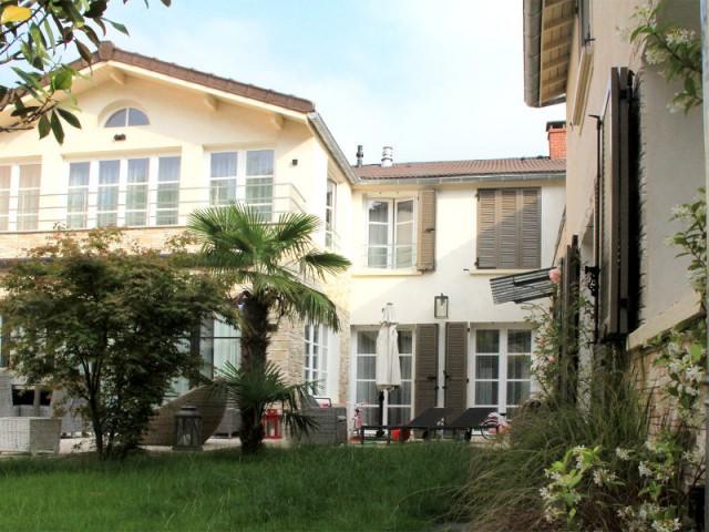 Une seconde extension pour agrandir la maison - Trois logements deviennent une demeure familiale