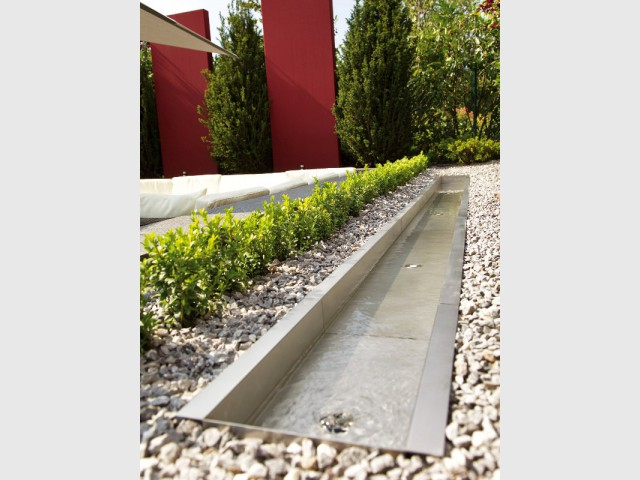Inspirations un bassin pour mon jardin for Agrementer un jardin
