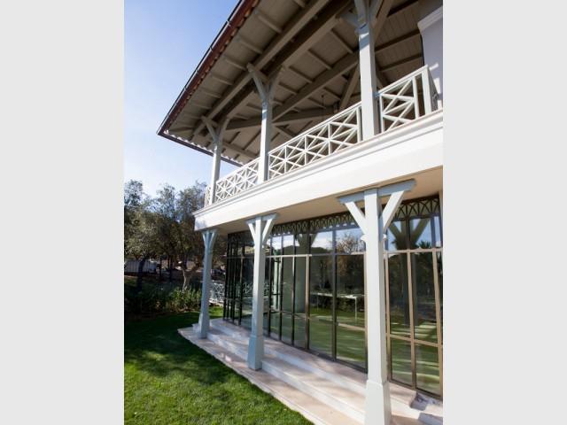 transformer une terrasse en veranda affordable porte d entre pour agrandir sa maison avec une. Black Bedroom Furniture Sets. Home Design Ideas