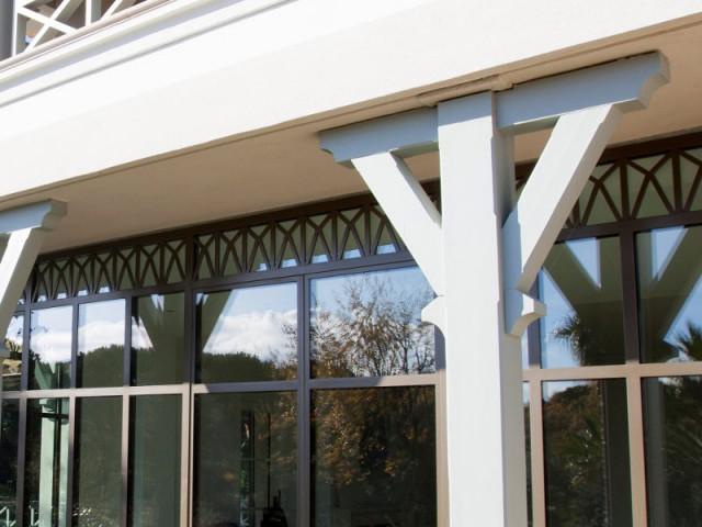 Une véranda originale pour une maison unique - Rénovation d'une maison provençale