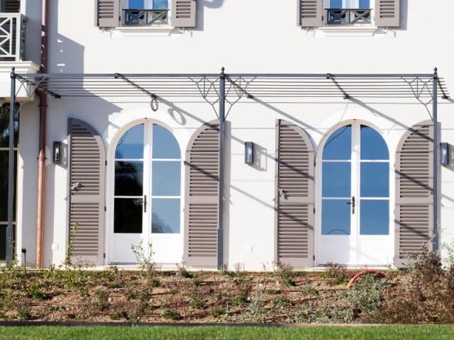 Une pergola sur-mesure au style Art Déco - Rénovation d'une maison provençale