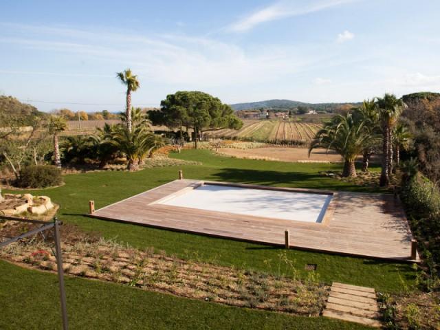 La piscine rénovée pour s'harmoniser à la maison - Rénovation d'une maison provençale