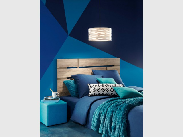 Un camaïeu de bleus pour une chambre en total look - Le bleu canard envahit la maison