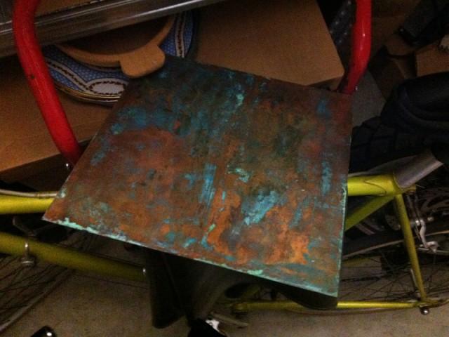Avant : Une plaque de cuivre qui avait perdu sa couleur d'origine - Concours Copper upcycling