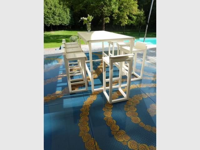 17 m2 de dalles de verre pour habiller l'ensemble de la terrasse - DivineGlass