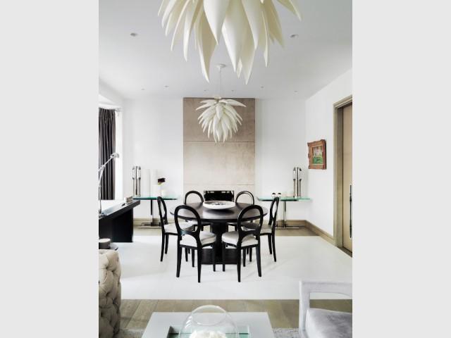 Une salle à manger façon salle de réunion - The London Apartment by Kelly Hoppen
