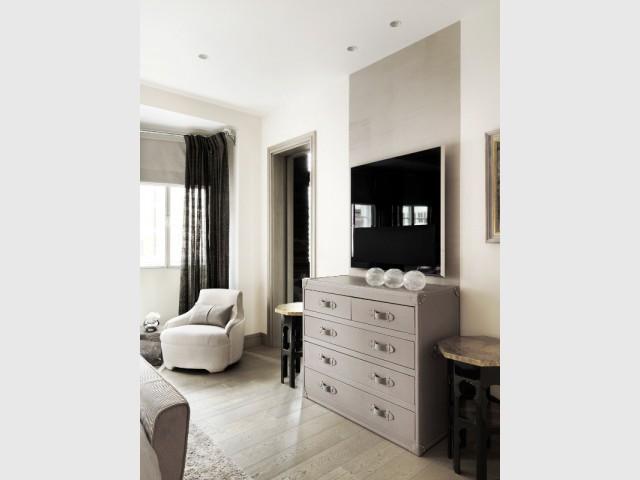 Lignes géométriques et couleurs neutres - The London Apartment by Kelly Hoppen