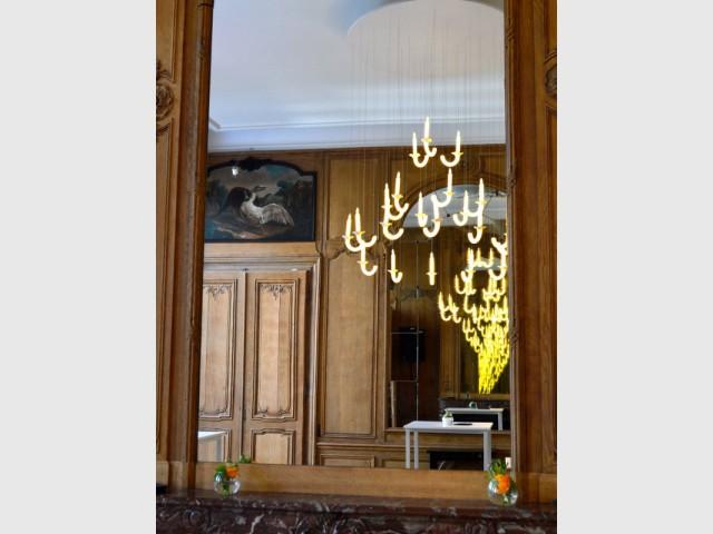 Du bois d'époque marié à des luminaires contemporains - Hôtel Clarance***** à Lille