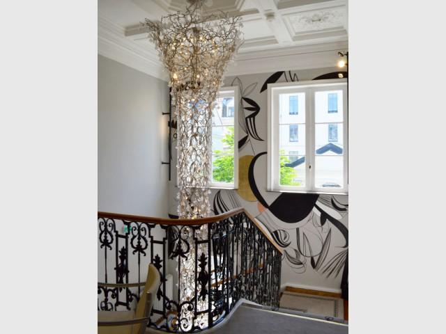 De l'art contemporain dans l'escalier - Hôtel Clarance***** à Lille