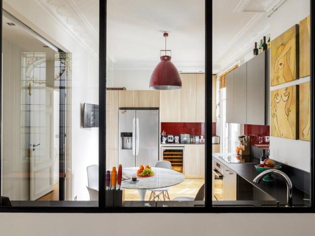 Une verrière pour un effet ouvert/fermé   - Restructuration complète d'un appartement familial à Paris