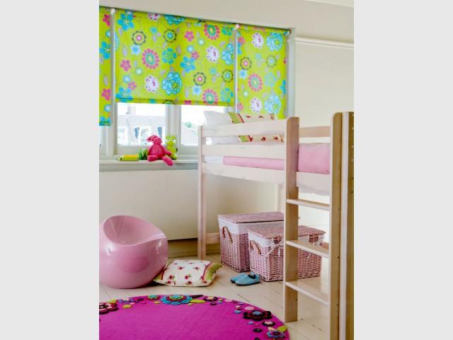 Des stores fleuris pour une chambre d'enfant ludique - Des stores intérieurs déco