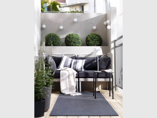 petits balcons des id es d 39 am nagement pour tous les styles. Black Bedroom Furniture Sets. Home Design Ideas