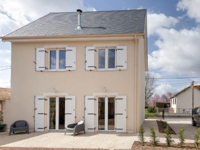 Une maison nergie positive et bas co t mont e en une for Construction maison 150000