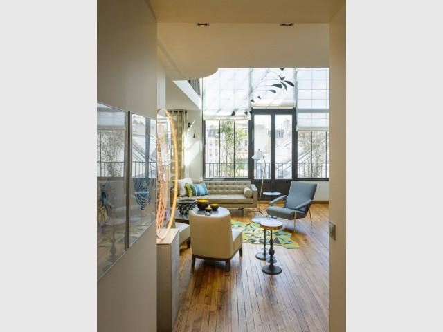 Un duplex organisé autour d'un mini couloir central - Atelier d'artistes Paris 14e
