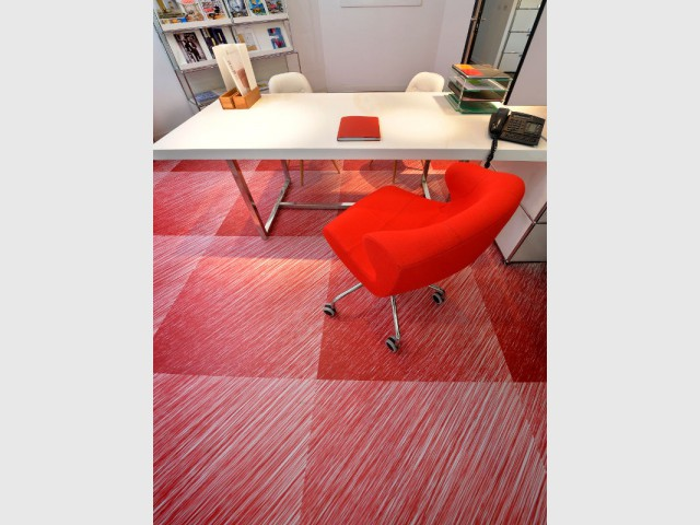 Un sol PVC imitation crayonné pour mon bureau - Des sols souples en trompe l'oeil