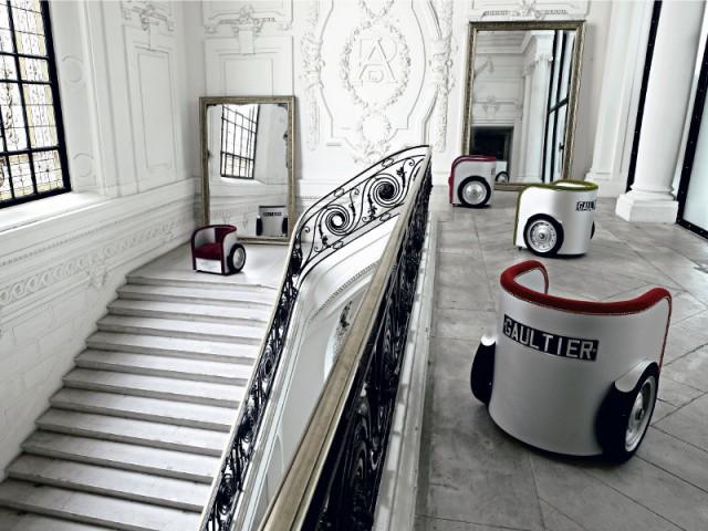 Le fauteuil Ben Hur pour Roche Bobois en 2010 - Collection Roche Bobois Jean-Paul Gaultier 2010