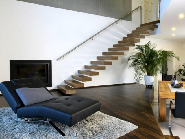 Une structure suspendue pour un escalier léger - Un escalier discret pour mon intérieur