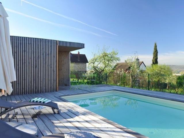 Une fondation métallique facile à installer - Un studio de jardin modulable