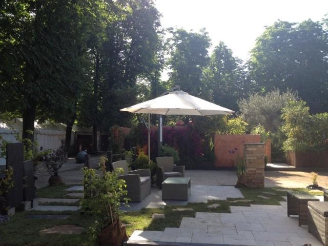Un jardin urbain où il fait bon vivre - Un jardin à part par Cupastone et Maison à part