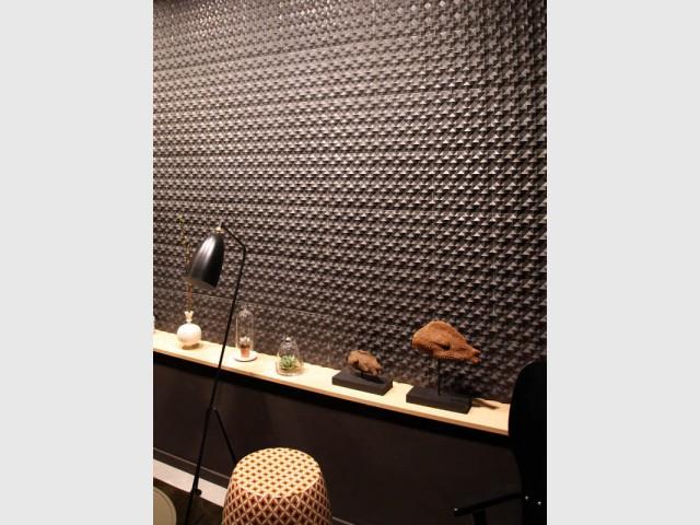 Un revêtement imitation métal très moderne - Les murs prennent du relief
