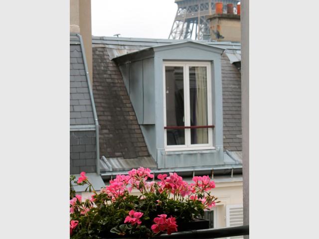 Des jardinières fleuries livrées et installées à domicile - Balcons : donnez du rythme grâce aux jardinières !