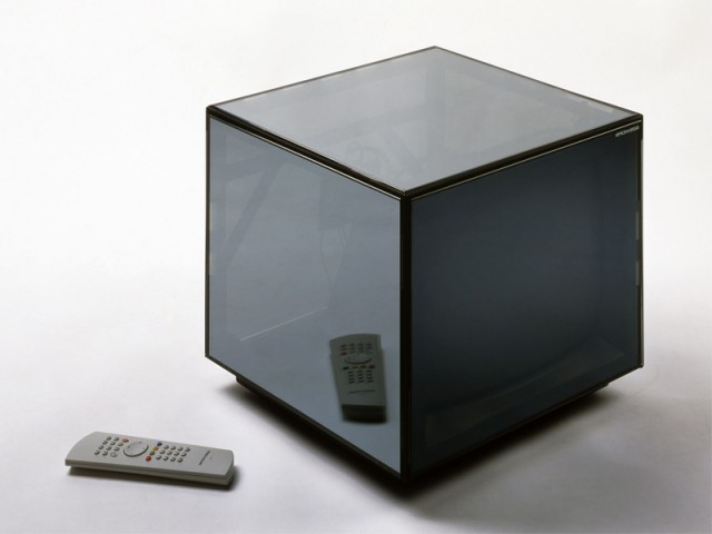 Téléviseur Cuboglass, 1992/2001, Mario Bellini, Design Center Brionvega - Exposition Oracle du design
