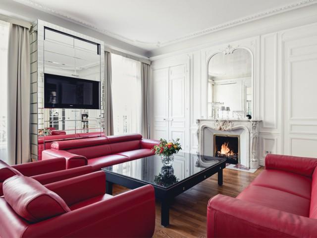 Un salon baigné de lumière - Un appartement aux mille reflets
