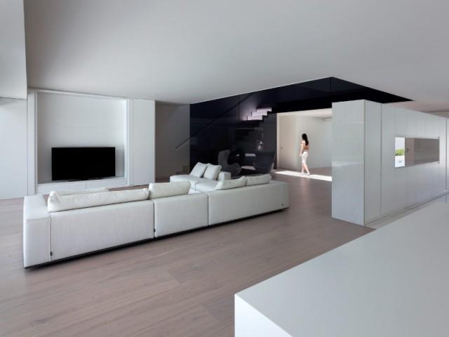 Un espace à vivre où tout est dissimulé - Casa Balint par Fran Silvestre Architectos