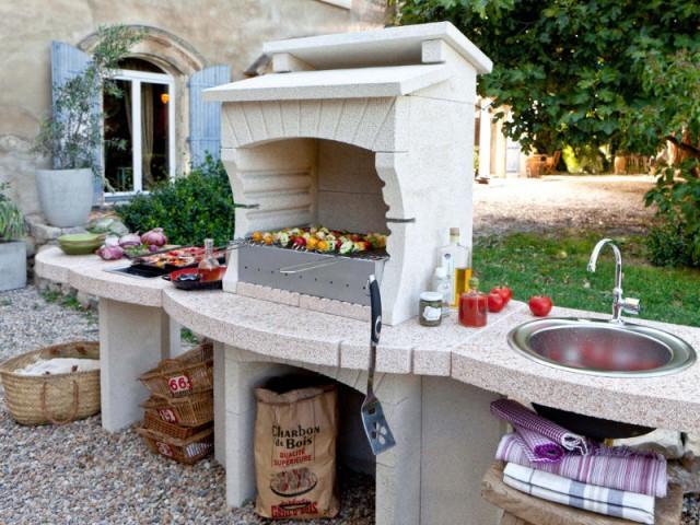 Une cuisine d'extérieur pour un barbecue XXL - Un barbecue pour chaque occasion