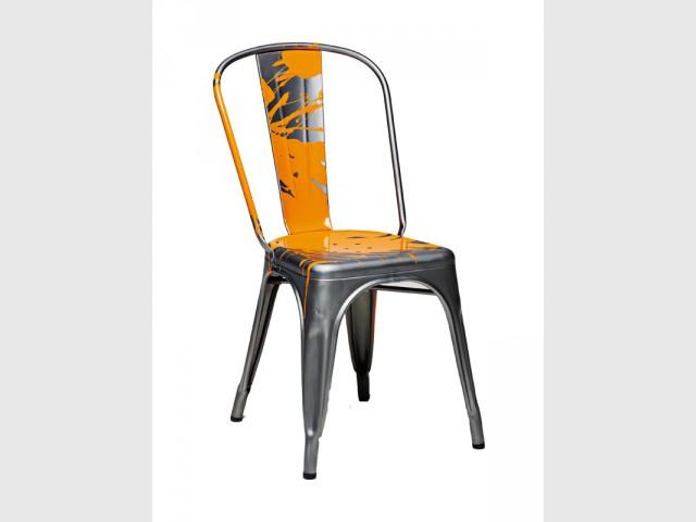La chaise A revisitée par Julien Ceder - Chaise TOLIX A